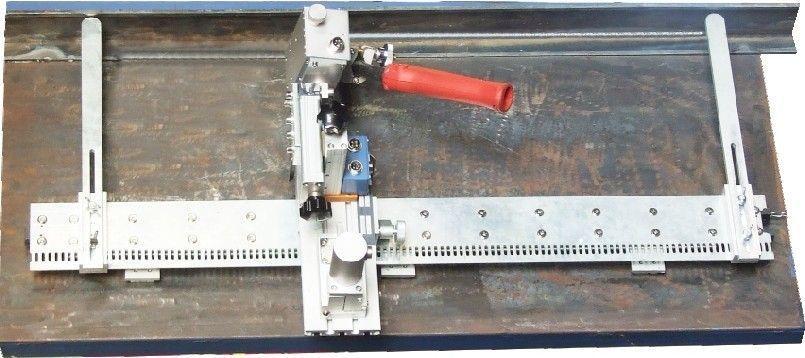 Установка каретки для вертикальной угловой сварки