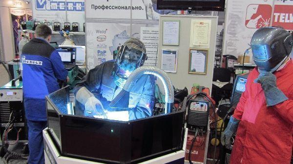 Демонстрация сварочного оборудования в действии